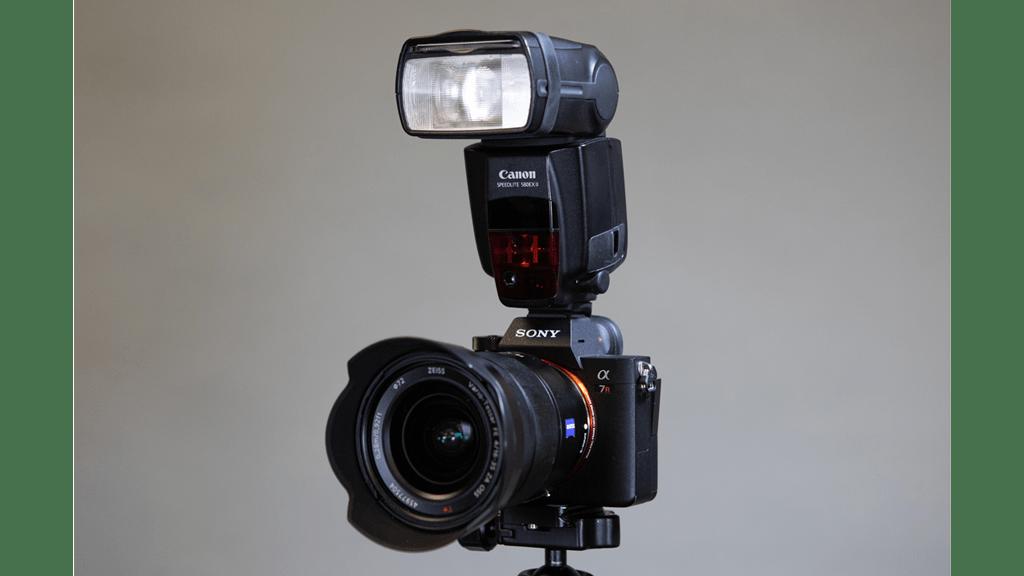 اتصال-فلاش-اکسترنال-روی-دوربین