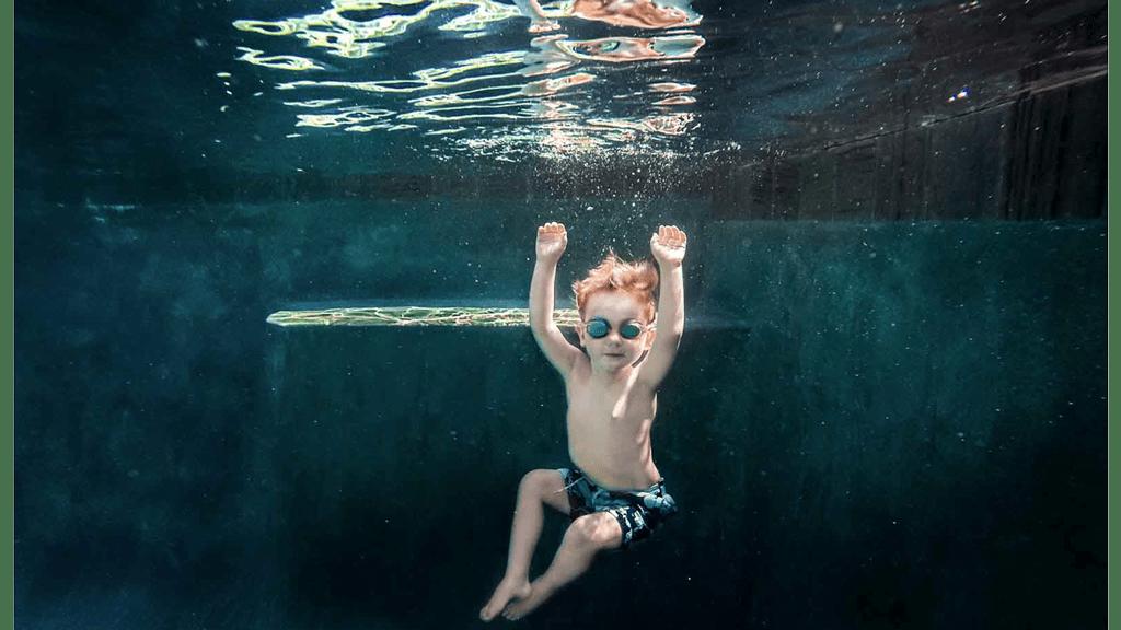 عکاسی-زیر-آب-از-کودکان